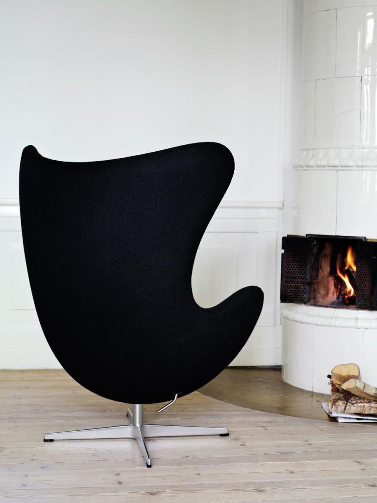Scaunul Egg, design Arne Jacobsen