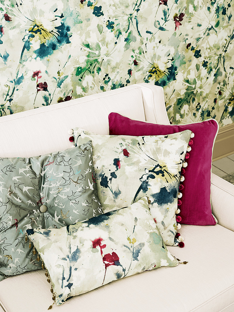Simi-cushion-detail_med