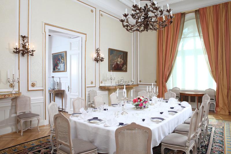 ambasada-dining